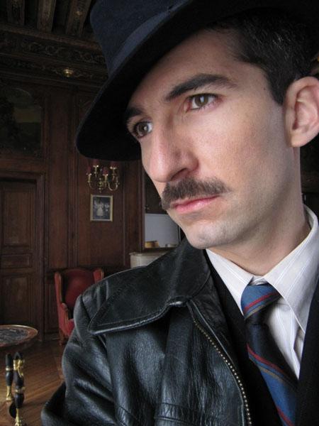 Sur le tournage d' « Un village français » - sur France 3. Rôle d'un collabo à moustache !